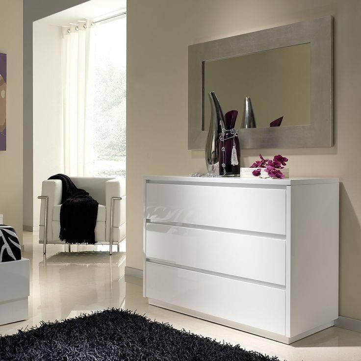 Комод с зеркалом в спальню и прихожую: как выбрать мебель
