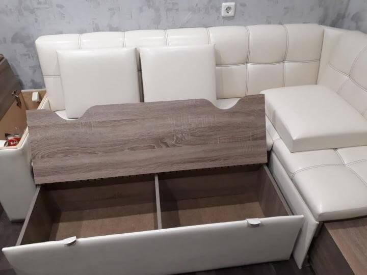 Угловые диваны — варианты для маленькой и обычной кухни