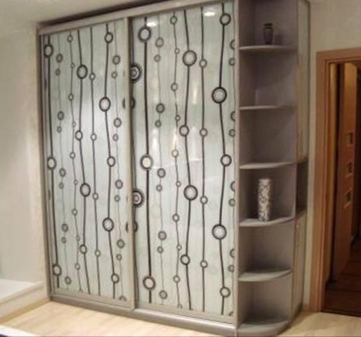 Как украсить шкаф: бюджетные способы реставрации своими руками