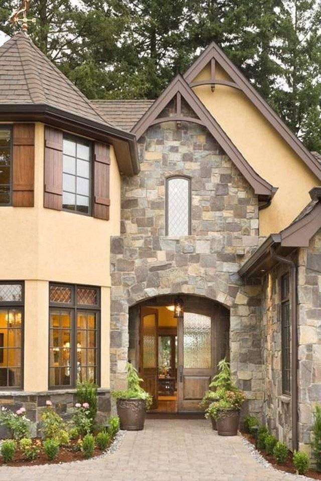 Отделка фасада дома— 40 красивых фото частных домов