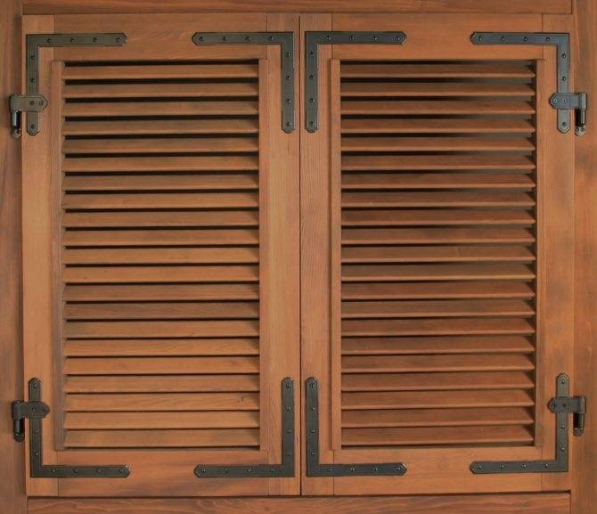 Ставни на окна (53 фото): варианты для дачи, оконные пластиковые защитные конструкции в дачном доме своими руками, декоративные внутренние изделия