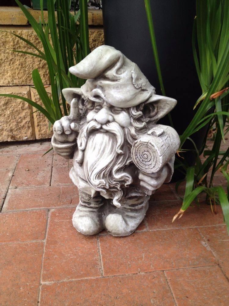 Ландшафтный дизайн мастер-класс папье-маше домик для гнома садовая скульптура бумага бутылки пластиковые капрон краска материал бросовый