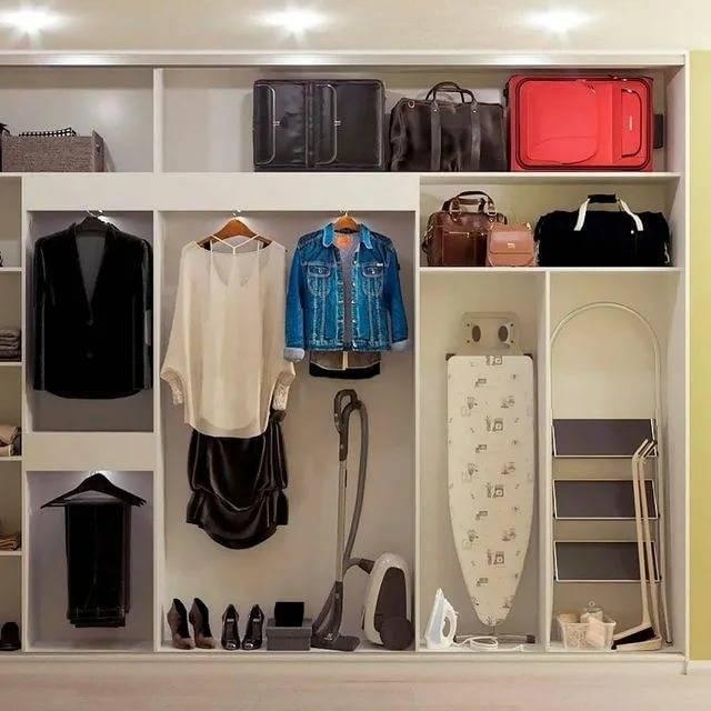 Фотографии идей дизайна шкафа для прихожей комнаты