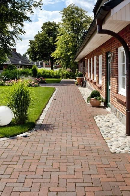 Дизайн тротуарной плитки на приусадебном участке