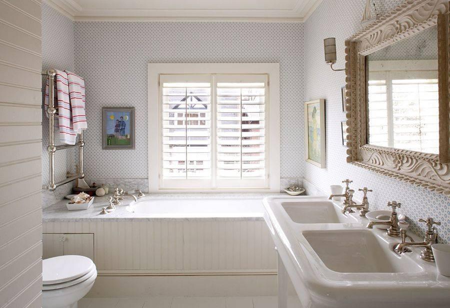 Особенности дизайна ванной комнаты с окном