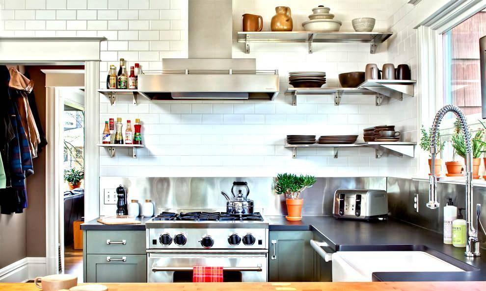 Полки на кухню (124 фото): кухонные выдвижные на стену вместо шкафов реального интерьера, из дерева в стиле прованс