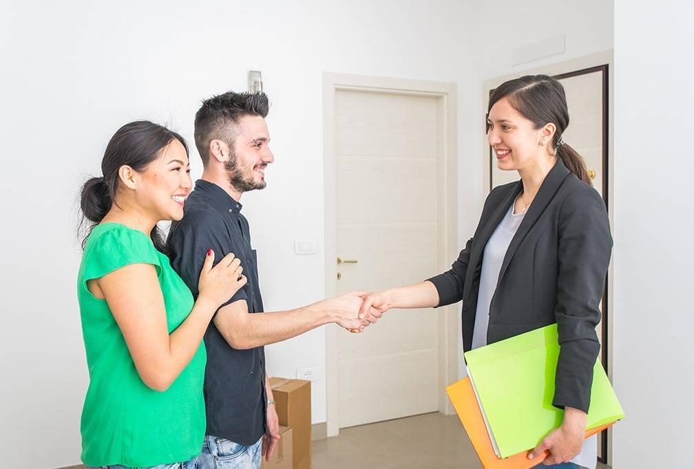 Нужен ли риэлтор при покупке квартиры и сколько стоят его услуги в 2021 году