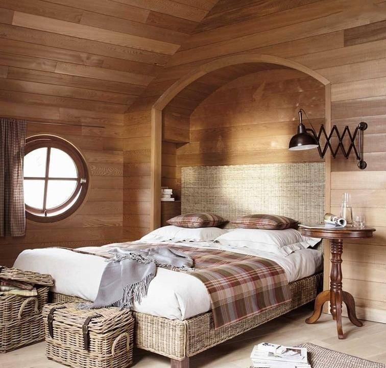 Спальня в деревенском стиле обеспечит максимальный комфорт
