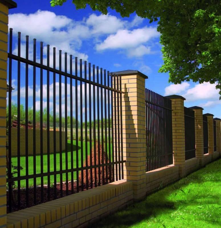 Как сделать и из чего построить самый дешевый недорогой забор для дачи своими руками: фото и видео