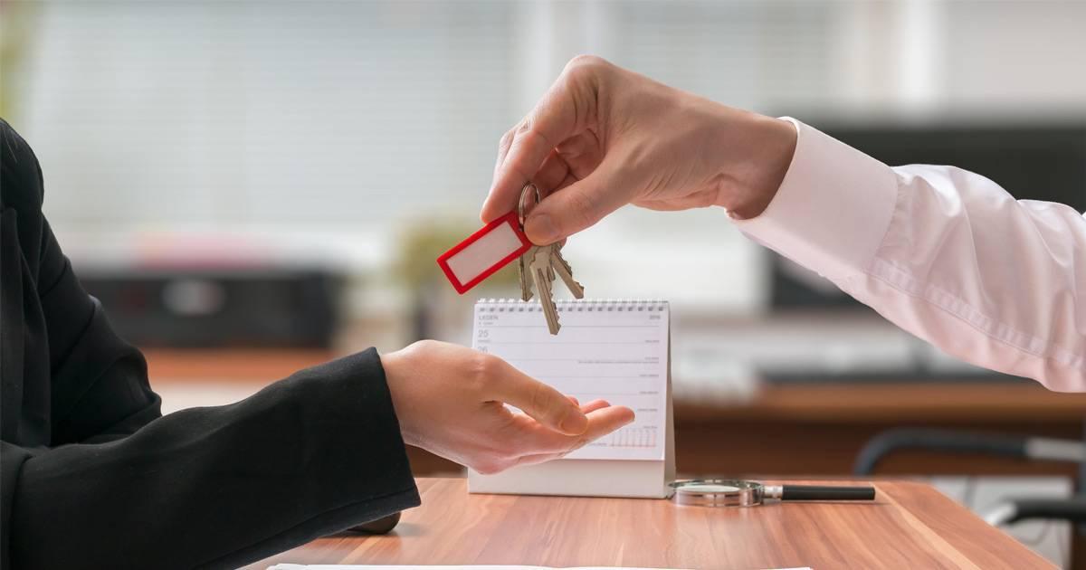 Зачем нужны нотариусы при операциях с недвижимостью: безопасность при совершении сделок