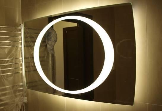 Выбираем подсветку для зеркала в ванной
