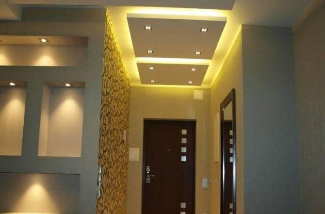 Дизайн потолка из гипсокартона в прихожей
