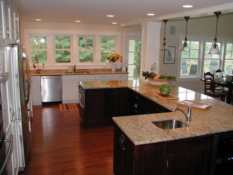 Дизайн п-образной кухни: с барной стойкой, с окном, совмещенная с гостиной, без окна, с островом, советы, фото.