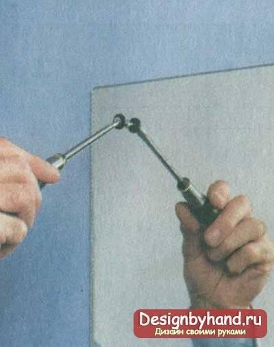 Крепление для зеркала на стену: виды и способы установки