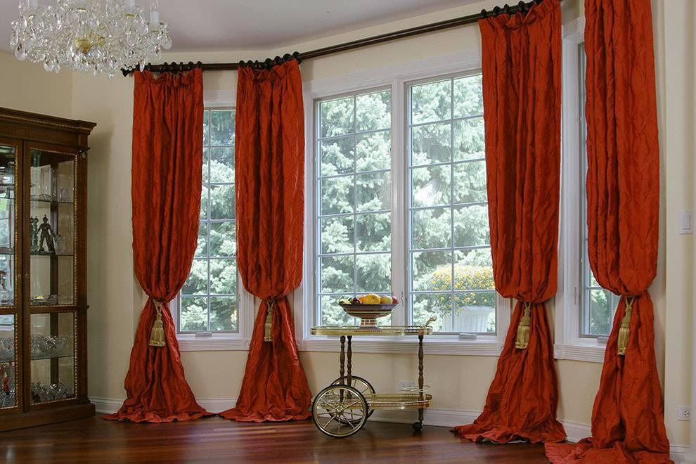 Портьеры (83 фото): что это такое, красивые варианты портьерных штор на окнах в интерьере, как подобрать ткань на кухню