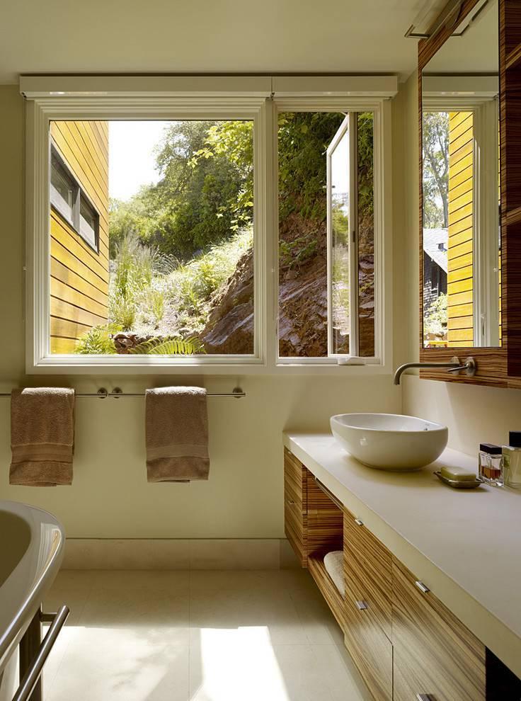 Стоит ли размещать окно в ванной комнате? преимущества и недостатки расположения окна в ванной в загородном доме