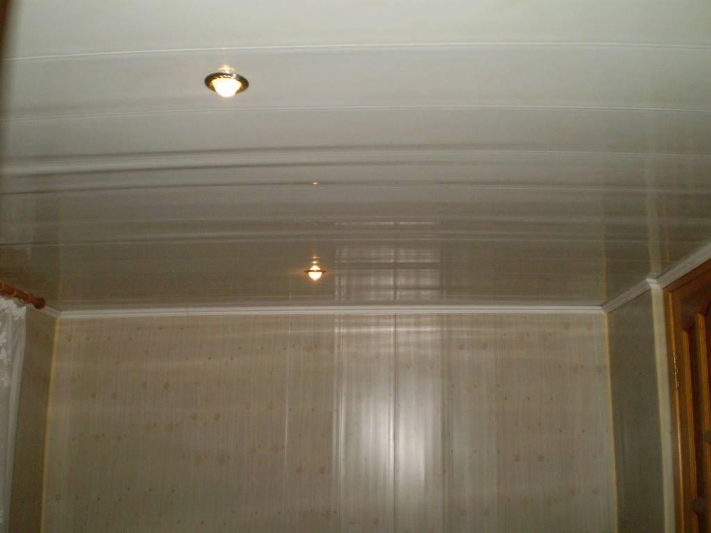 Потолок в прихожей из пластиковых панелей - всё о ремонте потолка