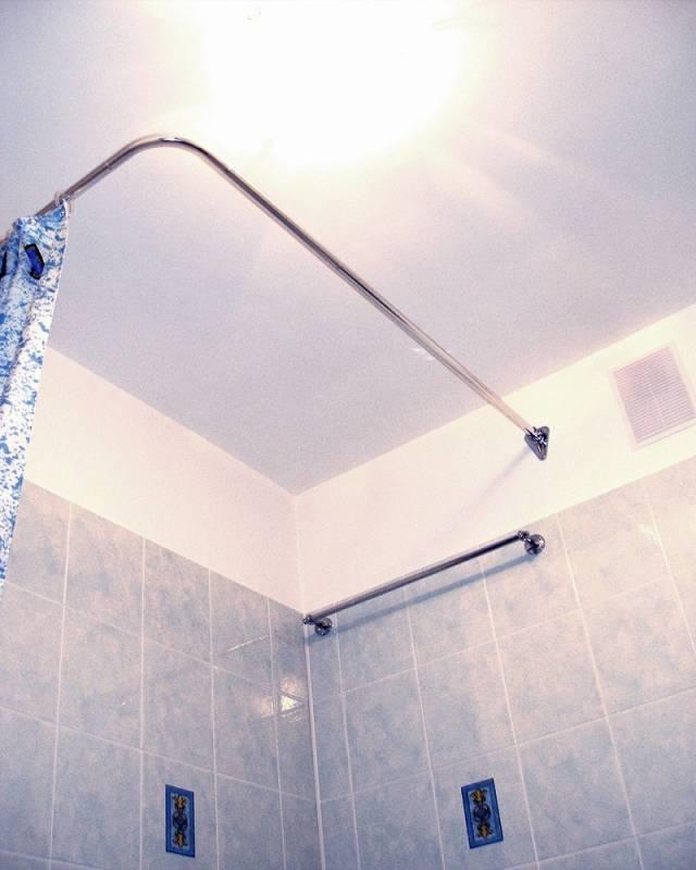 Выбираем карниз для ванной комнаты с умом и фантазией