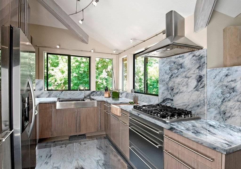 Интерьер кухни в частном доме - фото примеров