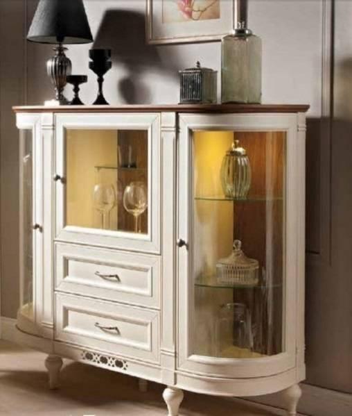Сервант для посуды в гостиную (42 фото): модели с витриной в стиле «классика», современный белый угловой буфет из дерева