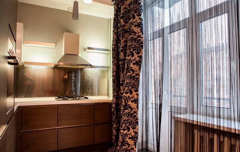 Шторы для кухни с балконом (34 фото)