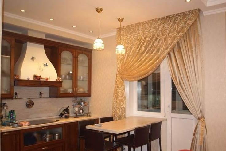 Шторы на кухню с балконной дверью (86 фото): дизайн готовых занавесок и тюля в кухню с балконом, современные римские и рулонные шторы на окно и другие варианты