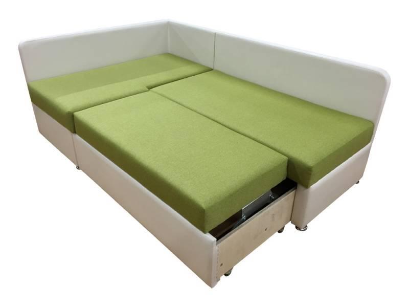 Угловой диван со спальным местом в интерьере для гостиной.