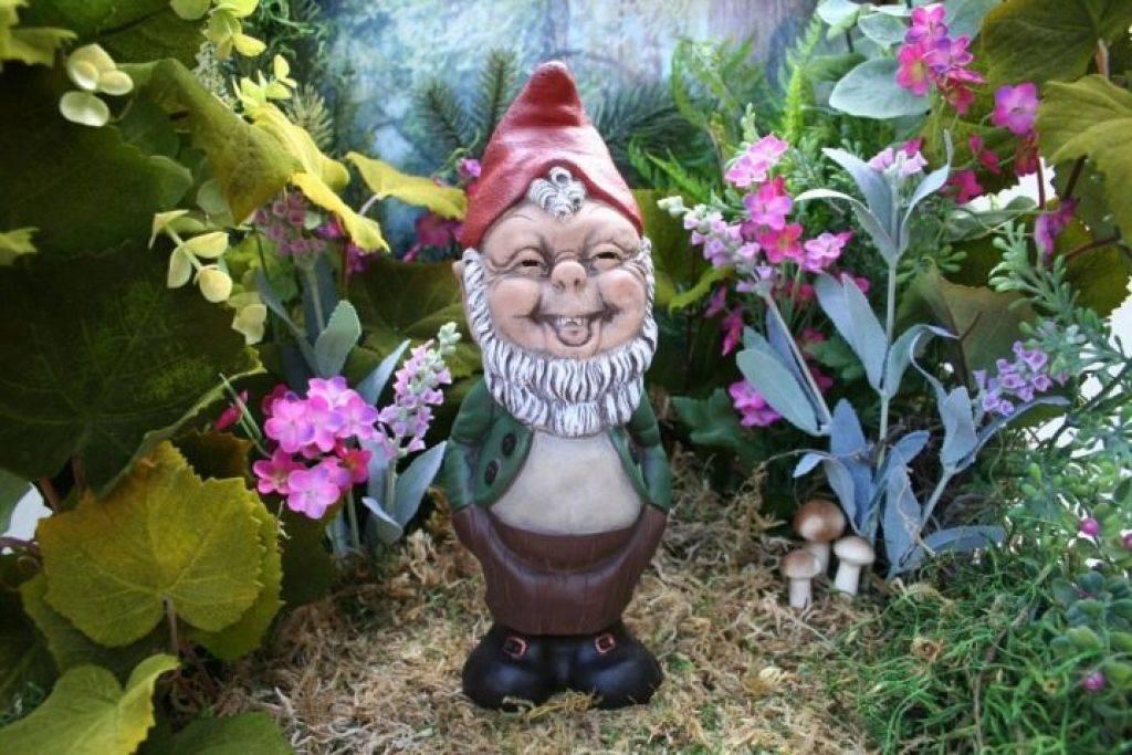 Красивые садовые гномы - 95 фото и видео описание размещения декоративных скульптур гномиков