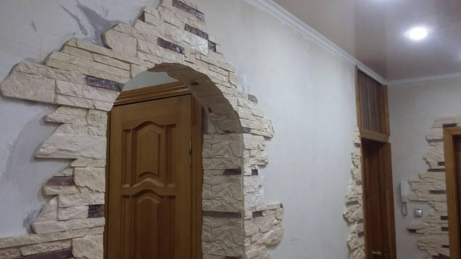 Отделка дверных проемов декоративным камнем: 50 фото примеров