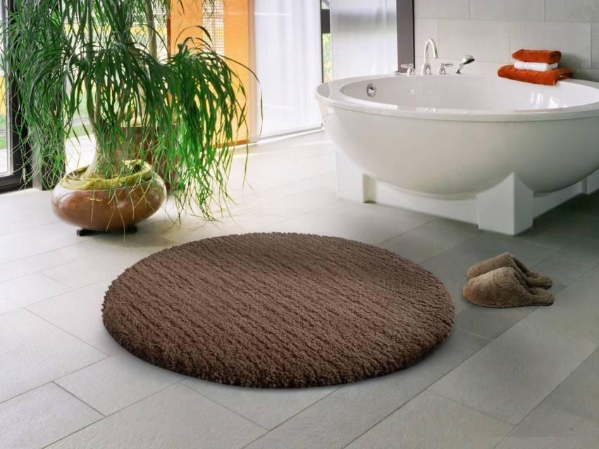 Коврик для ванной: : виды, как выбрать нескользящий