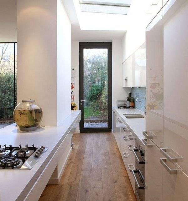 Узкая кухня с диваном, со спальным местом, кухня-гостиная, фото в интерьере