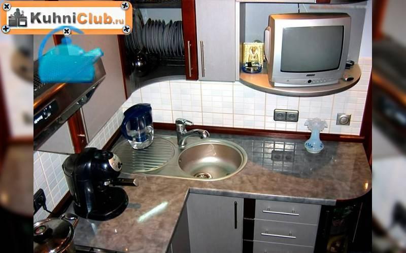 Телевизор в кухне: 5 вариантов размещения и 30 удачных интерьеров