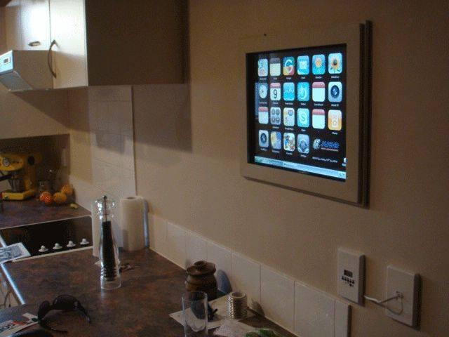 Телевизор на кухне: как выбрать и где разместить