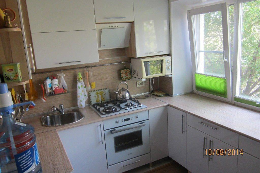 Кухни в хрущевке 5 кв м с холодильником (70 фото реальных интерьеров)