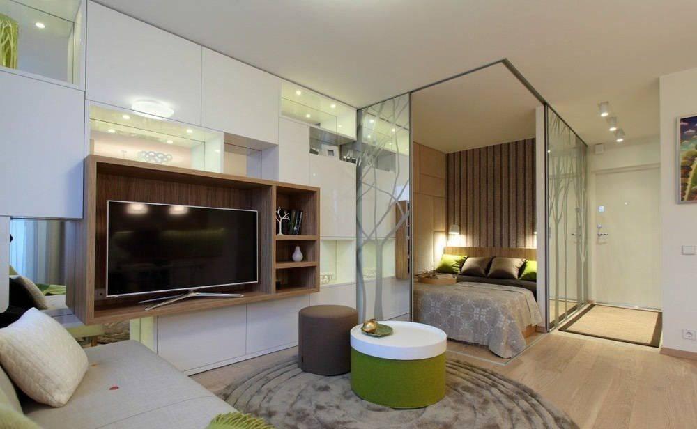 Зонирование однокомнатной квартиры для одного человека и для семьи с ребёнком, варианты разделения пространства