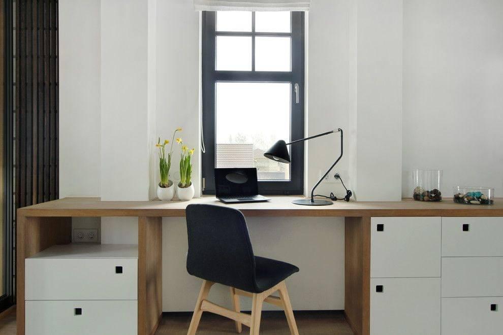Стол-подоконник: виды, материалы, идеи дизайна, формы, фото в интерьере