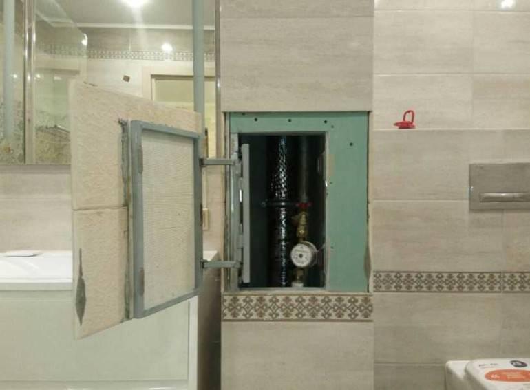 Двери на сантехнический шкаф в туалете – какие выбрать