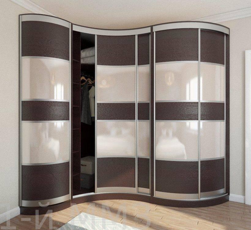 Угловой шкаф в гостиную: виды, формы, цвета, варианты наполнения, примеры шкафов-купе в зале