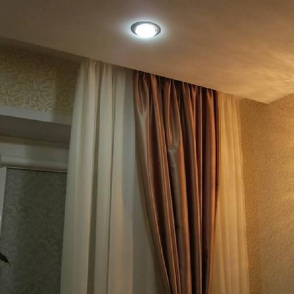 Карнизы для штор под натяжные потолки: какие лучше?