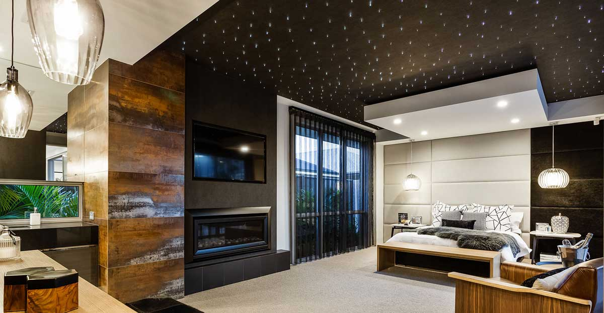 Советы и рекомендации по оформлению потолков в зале