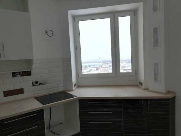 Стол подоконник на кухне - фото: варианты практичного обустройства