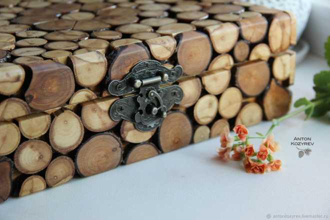 Поделки из бревен (61 фото): какие изделия можно сделать своими руками для дачи? паровозик и сова из старых бревен, люстра и светильник, олень и другие поделки