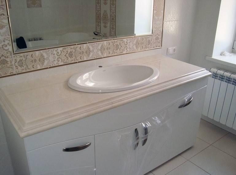 Столешница для ванной комнаты под раковину: выбор и монтаж