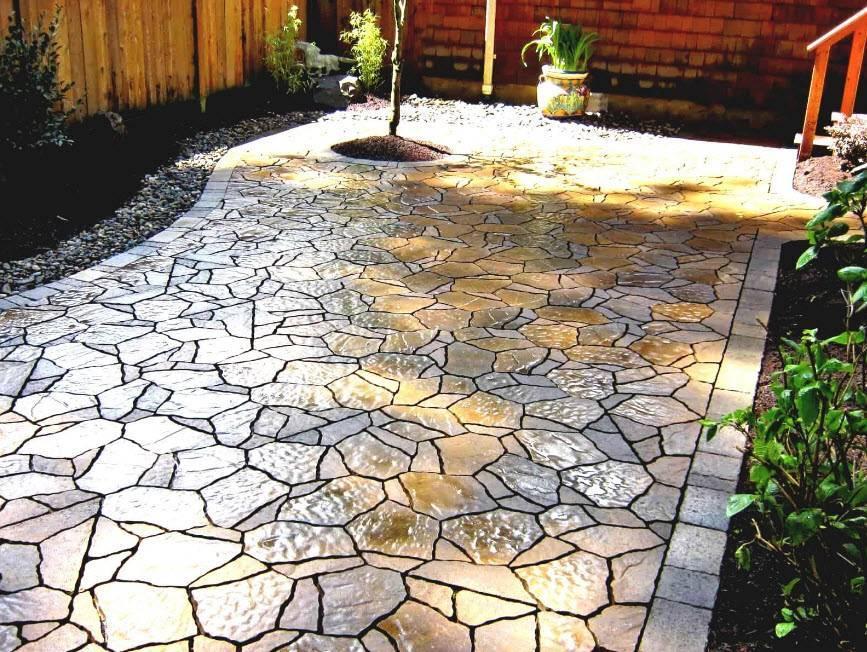 Рулонные покрытия для садовых дорожек:укладка своими руками на даче