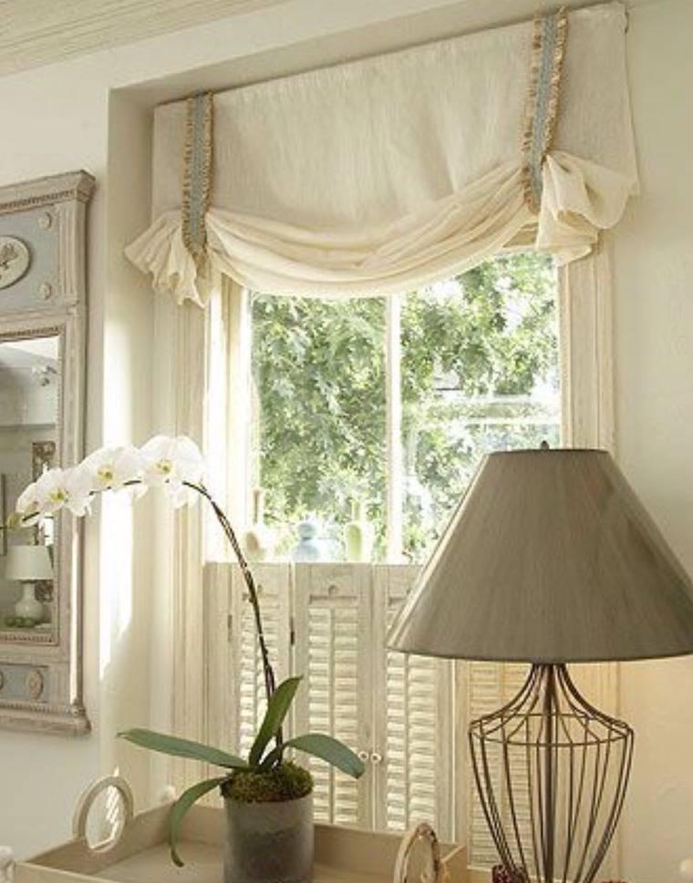 Как повесить шторы на нестандартные окна?