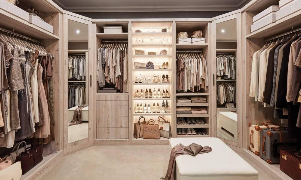 Гардеробная комната, фото вариантов оформления, материалы изготовления