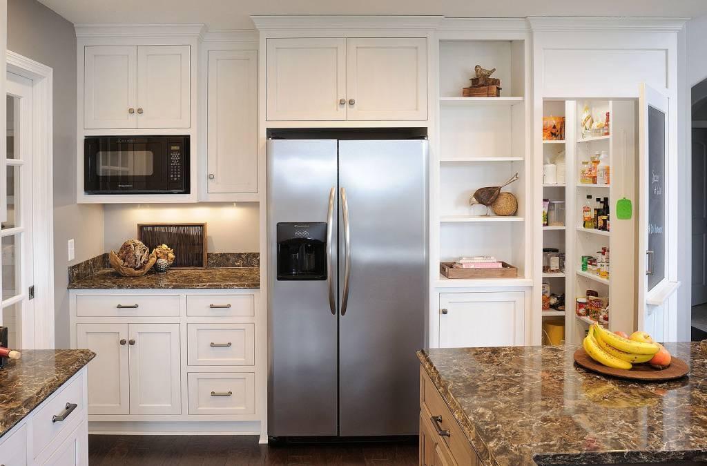 Бежевый холодильник в интерьере кухни (25 фото): идеи сочетаний, дизайн в разном стиле, винтажные модели smeg