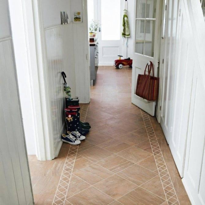 Плитка и ламинат в прихожей (53 фото): варианты дизайна комбинированного пола в коридоре, интересные сочетания плиток-сот, соединение серых и других плиток в интерьере