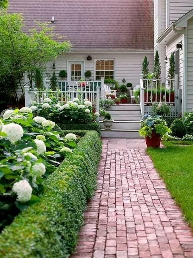 Дизайн участка загородного дома: 105 фото лучших идей украшения