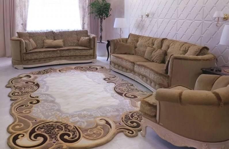 Модные ковры на пол в зал фото